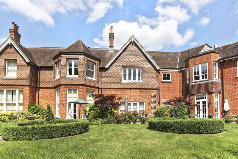 2 Bedrooms Flat for sale in Rokefield House, Westcott Street, Dorking, Surrey, RH4