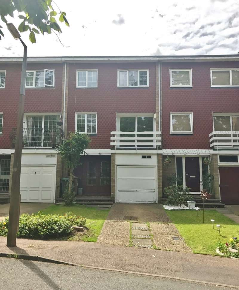 3 Bedrooms Terraced House for sale in Margeholes, Watford, Hertfordshire, WD19 5AR