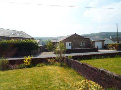 2 Bedrooms Bungalow for sale in Goodshawfold Road, Rossendale, Lancashire, BB4