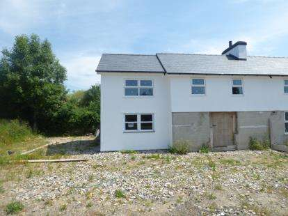 3 Bedrooms Semi Detached House for sale in Glanerch, Abererch, Pwllheli, Gwynedd, LL53