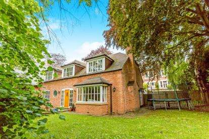 4 Bedrooms Detached House for sale in Redcliffe Road, Nottingham, Nottinghamshire