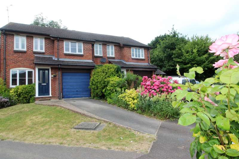 3 Bedrooms Terraced House for sale in Tamar Way, Wokingham, RG41 3UB