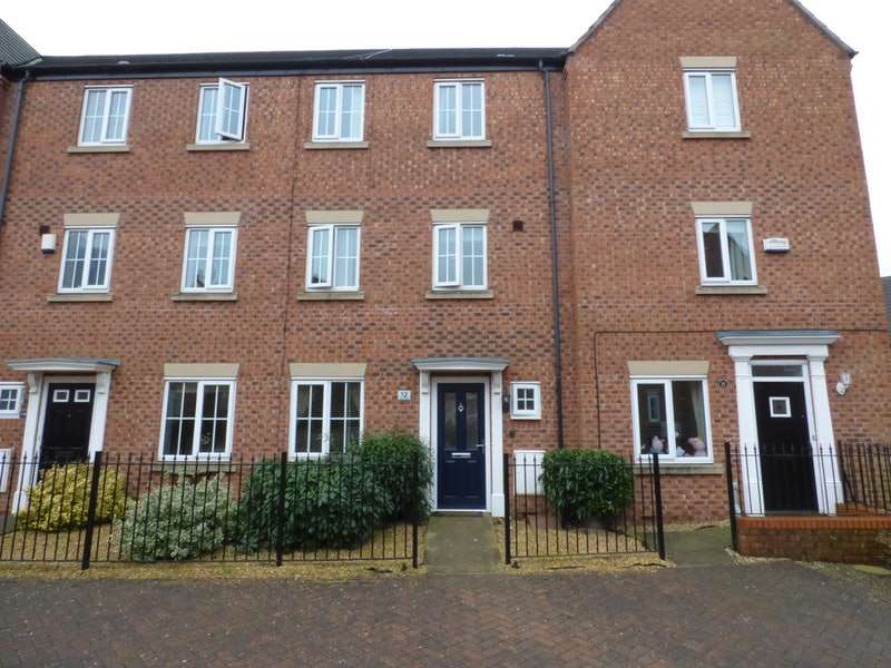 4 Bedrooms Town House for sale in Torr Drive, Eastham, Merseyside, CH62