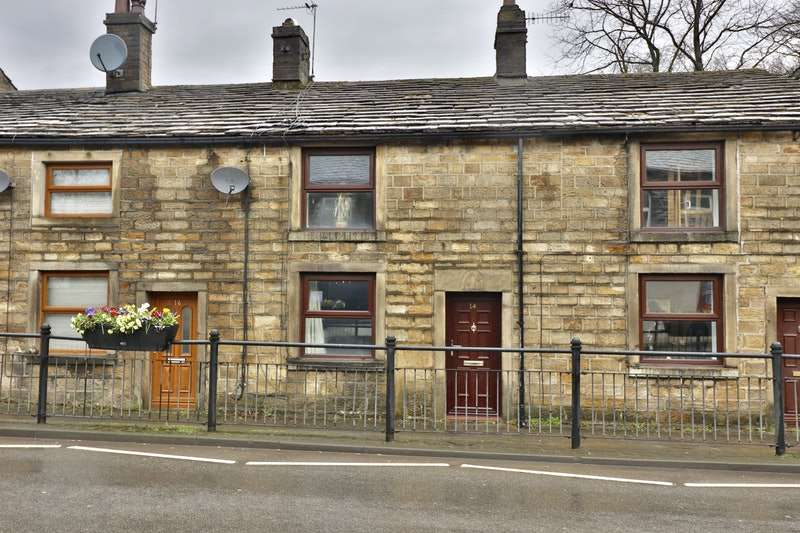2 Bedrooms Terraced House for sale in Church Street, Littleborough, Greater Manchester, OL15