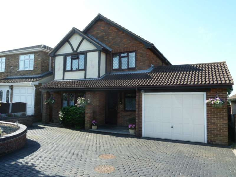 4 Bedrooms Detached House for sale in Oakleigh Avenue, Hullbridge, Essex, SS5