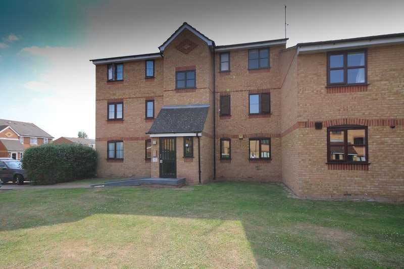 1 Bedroom Flat for sale in Redford Close, Feltham, Middlesex, TW13