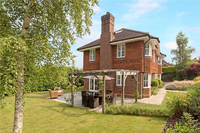 5 Bedrooms Detached House for sale in Courts Hill Road, Haslemere, Surrey, GU27
