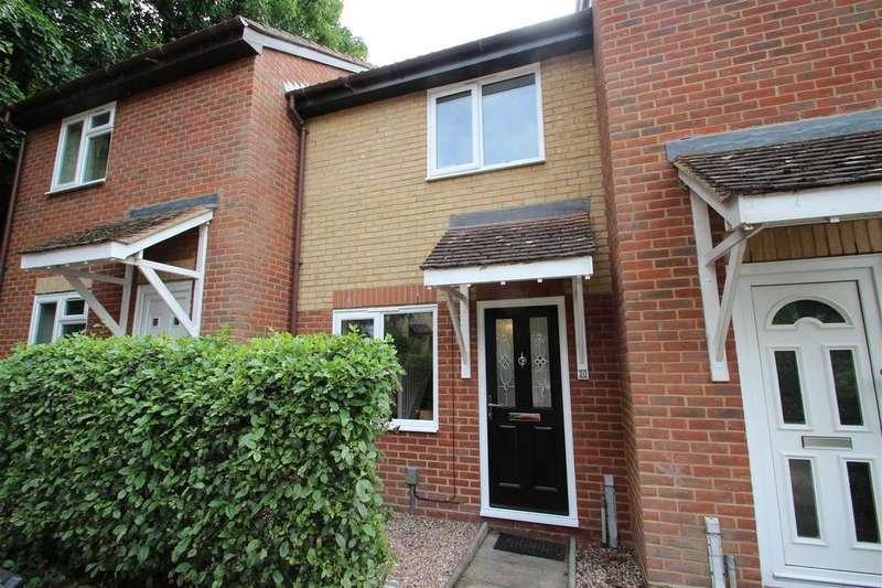 2 Bedrooms Terraced House for sale in Finbars Walk, Ipswich