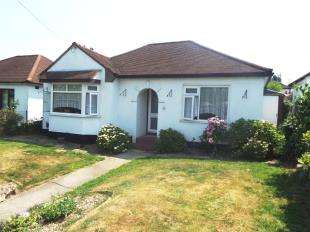 2 Bedrooms Bungalow for sale in Lower Road, Orpington, Kent