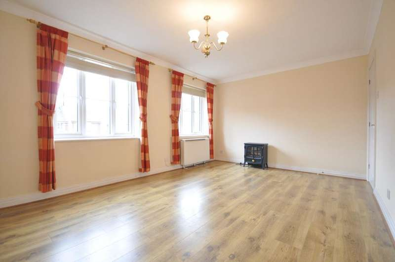 2 Bedrooms Apartment Flat for sale in Clifton Court, Victoria Street, Lytham, Lytham St Annes, Lancashire, FY8 5FA