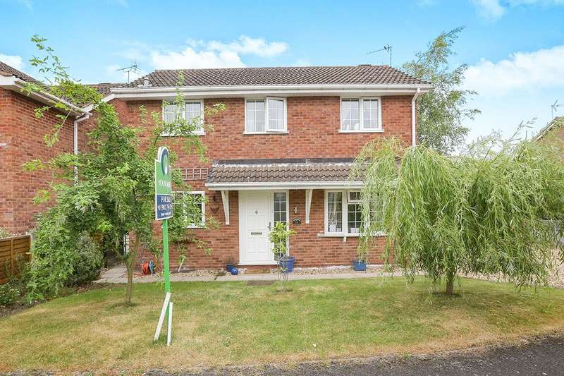 3 Bedrooms Detached House for sale in Edge Hill Drive, Perton, Wolverhampton, WV6