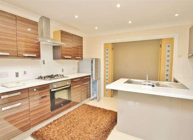 1 Bedroom Flat for sale in 160 Wimborne Road, Poole, Dorset