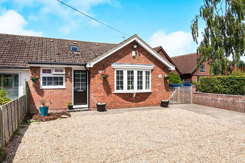 3 Bedrooms Semi Detached Bungalow for sale in Whetsted Road, Five Oak Green, Tonbridge, TN12