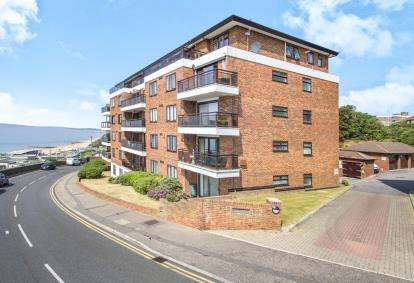 2 Bedrooms Flat for sale in The Marina, Bournemouth, Dorset