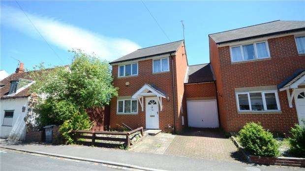 4 Bedrooms Link Detached House for sale in Star Road, Caversham, Reading