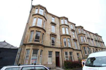2 Bedrooms Flat for sale in Garturk Street, Glasgow
