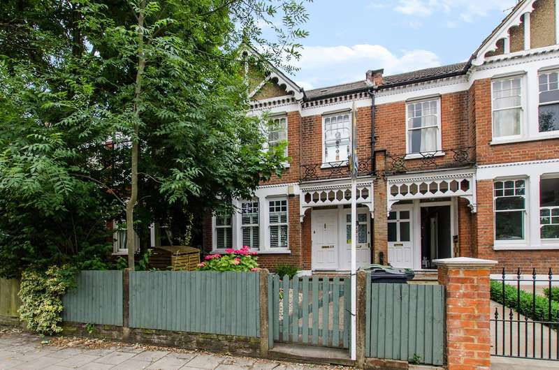 3 Bedrooms Maisonette Flat for sale in Weir Road, Balham, SW12