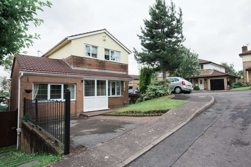 3 Bedrooms Detached House for sale in Brookfield Avenue, Barry, Glamorgan, CF63