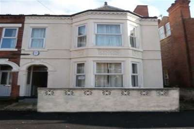 5 Bedrooms End Of Terrace House for rent in Trinity Avenue, Lenton NG7