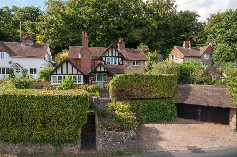 3 Bedrooms Detached House for sale in Holmbury St. Mary, Dorking, Surrey, RH5