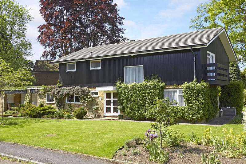 4 Bedrooms Detached House for sale in Greenways, Walton on the Hill, Tadworth, Surrey, KT20