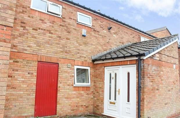 3 Bedrooms Town House for sale in St Elphins Close, Warrington, Cheshire