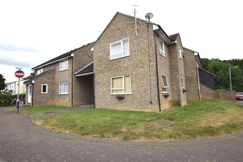 1 Bedroom Ground Flat for sale in Mayflower Court, HARLOW, CM19