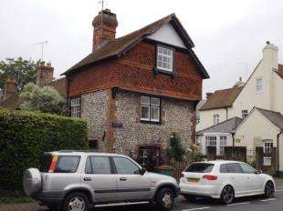 2 Bedrooms End Of Terrace House for sale in Norfolk Cottages, High Street, Steyning, West Sussex