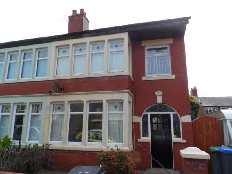 3 Bedrooms Semi Detached House for sale in North Avenue, Blackpool, FY3 7BA