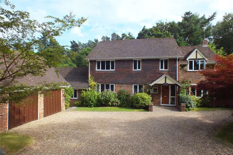 5 Bedrooms Detached House for sale in Calthorpe Road, Fleet, Hampshire, GU51