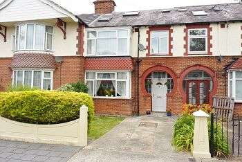 4 Bedrooms House for sale in Highbury Grove, Cosham, Portsmouth, PO6 2RN
