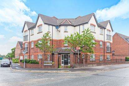 2 Bedrooms Flat for sale in Anderby Place, Church Street, Westhoughton, Bolton, BL5