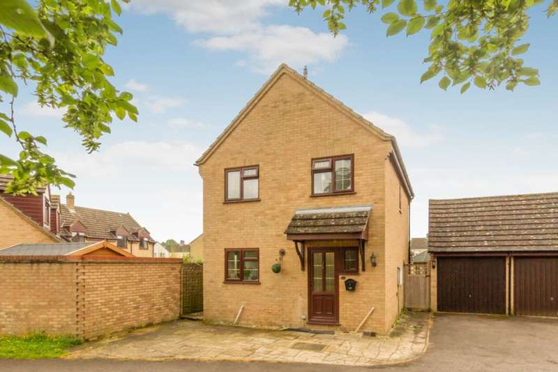 3 Bedrooms Detached House for sale in Peel Close, Ducklington