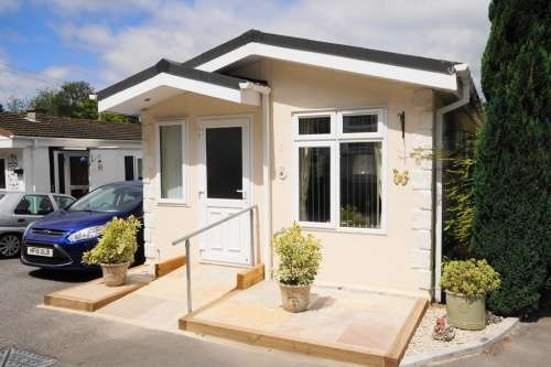 2 Bedrooms Park Home Mobile Home for sale in Wheatplot, Bournemouth