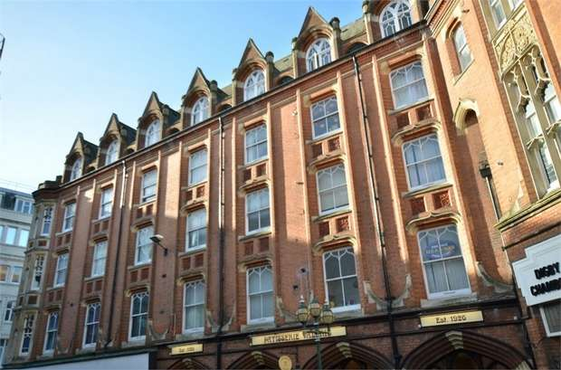 2 Bedrooms Flat for sale in Post Office Road, Bournemouth, Dorset