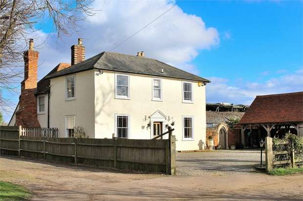 5 Bedrooms Detached House for sale in Dunmow, Essex