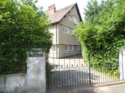 5 Bedrooms Detached House for sale in Blundell Road, Hightown, Liverpool, Merseyside, L38