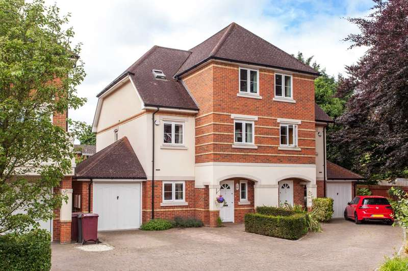 4 Bedrooms Semi Detached House for sale in Symeon Place, Caversham