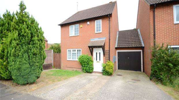 3 Bedrooms Link Detached House for sale in Faygate Way, Lower Earley, Reading