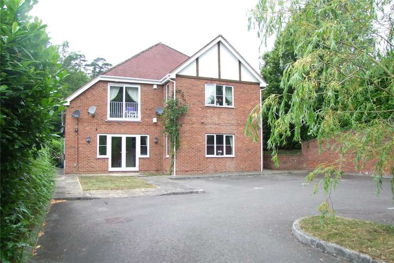 2 Bedrooms Flat for sale in Hillcot, Southview Road, Headley Down, Hampshire, GU35
