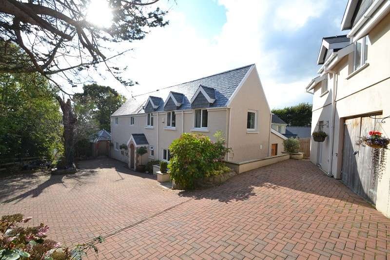 3 Bedrooms Detached House for sale in The Coach House Narberth Road, Tenby, Pembrokeshire. SA70 8HT