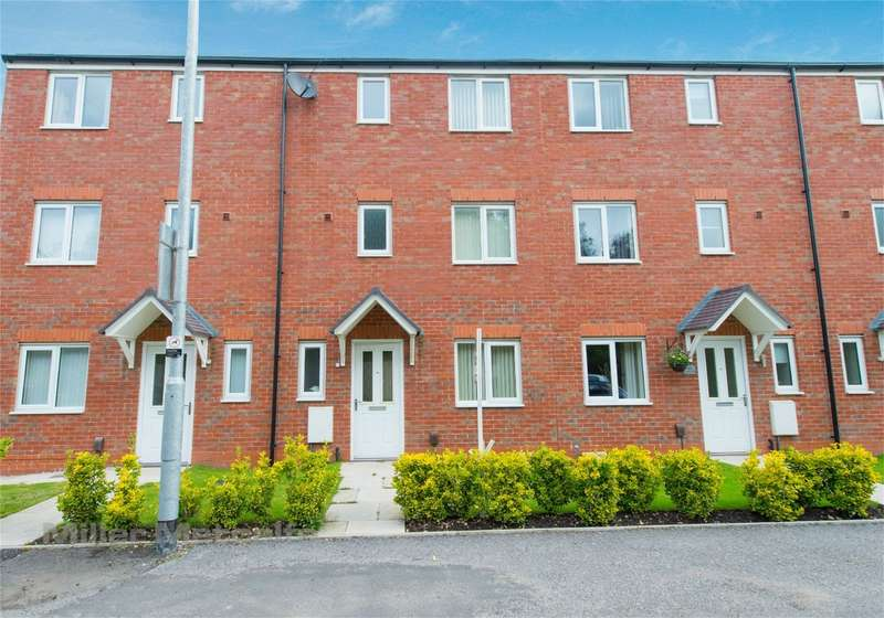 4 Bedrooms Town House for sale in Academy Way, Lostock, Bolton, Lancashire