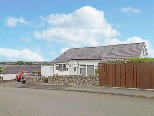 2 Bedrooms Detached Bungalow for sale in Bro Enddwyn, Dyffryn Ardudwy, Gwynedd