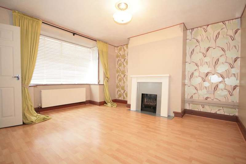 3 Bedrooms Semi Detached House for sale in Matlock Crescent, Southport, PR8 5HA