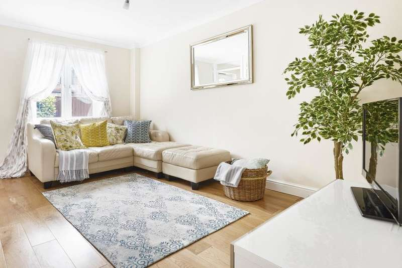 2 Bedrooms Terraced House for sale in Francis Close, Mudchute, E14