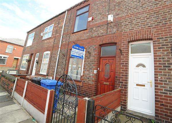 3 Bedrooms Terraced House for sale in 5 Scotta Road, Eccles M30 7HT