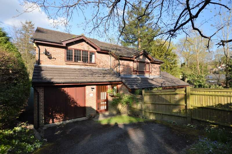 3 Bedrooms Semi Detached House for sale in Ghyll Road, Heathfield, East Sussex, TN21