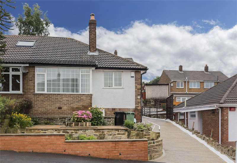 2 Bedrooms Semi Detached Bungalow for sale in Spring Valley Drive, Leeds, West Yorkshire, LS13