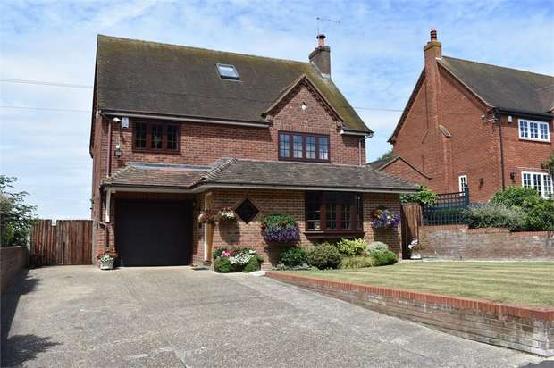 4 Bedrooms Detached House for sale in Bingham Cottages, Bowyers Lane, Warfield, Berkshire