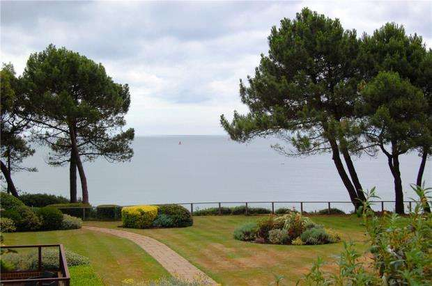 3 Bedrooms Detached House for sale in Branksome Park, Poole, Dorset, BH13